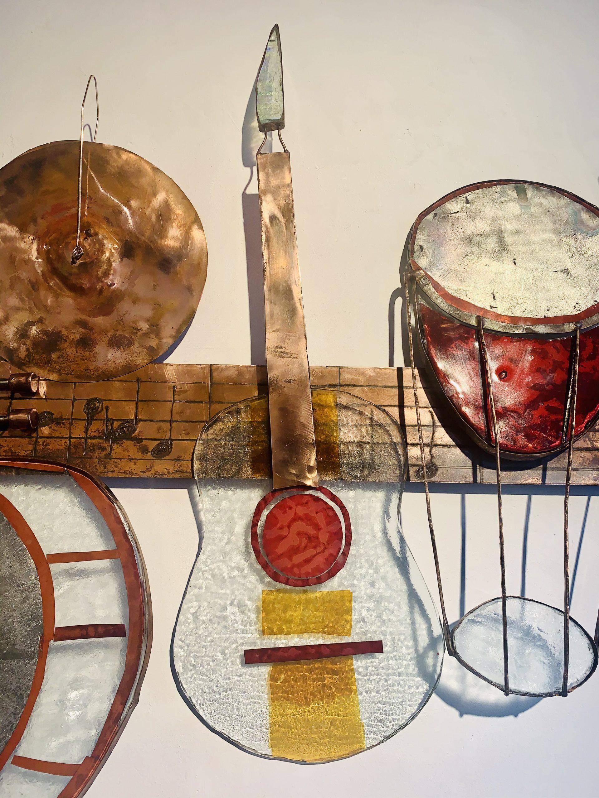 Wandobject muziekinstrumenten klant Funs Uiting SJAAK SMETSERS1