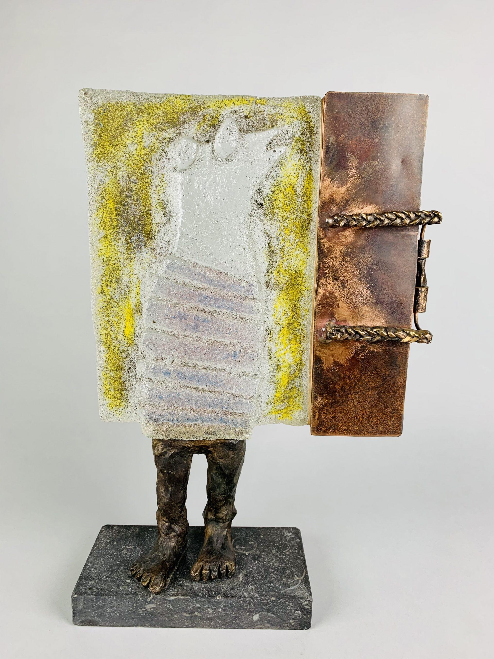 Relikwieën van een muze 44x29x10 cm Zand gegoten glas koper brons op Belgisch harsteen SJAAK SMETSERS FOTO 2