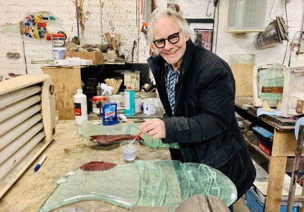 Sjaak in atelier nieuw wandobject
